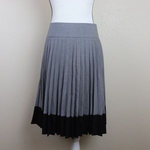 H&M Pleated Midi Skirt Size 10